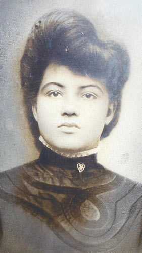 Carrie Dorsey. Her Mom was a slave. Her Mom delivered most of her babies, including Warren, who made it through college and the war and grew up to become a microbiologist and a school principal.